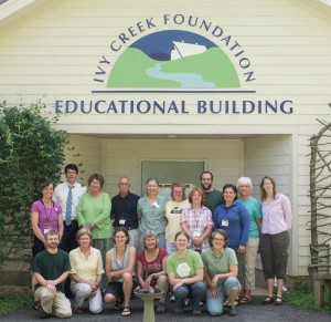 Group photo of 17 members of 2013 Rivanna Master Naturalist class in front of the Ivy Creek Educational Building
